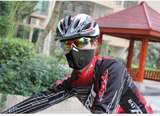 Half Cycling Cover with Exhalation Valves and 2PCS Adjustable Activated Carbon Filter, Anti Air Pollution Reusable Dust Mouth Cover, Air Filter for Cycling Running Outdoor Activities (Black)